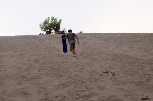 Gumuk Pasir Parangkusumo ini terbentuk dalam waktu yang lama, dan masih sering berubah bentuk.