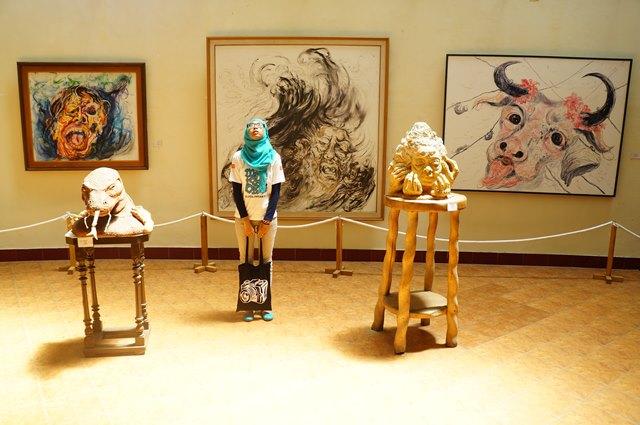 Isi dari ruang galeri III museum.