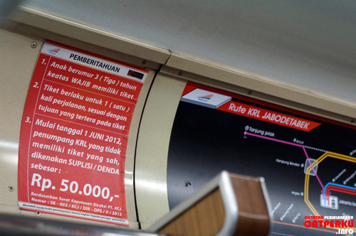 Ketahuan enggak beli tiket? Denda lima puluh ribu! Tiketnya lho murah, masak nekat enggak beli sih :D