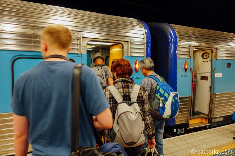 Ke Melbourne naik kereta, sekaligus pengalaman pertam naik kereta api di Australia.