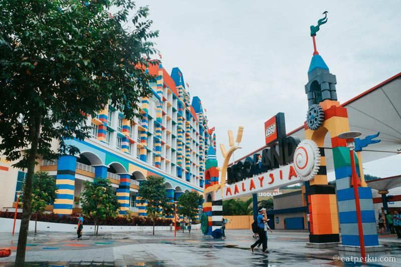 Liburan ke Johor Bahru, kamu bisa mampir ke Legoland deh!