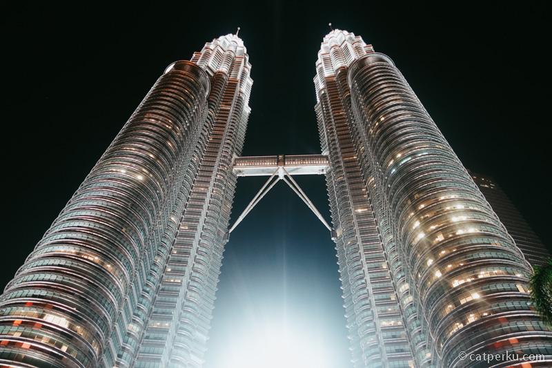 Menarak kembar Ini selalu jadi tujuan utama ketika liburan ke Kuala Lumpur.