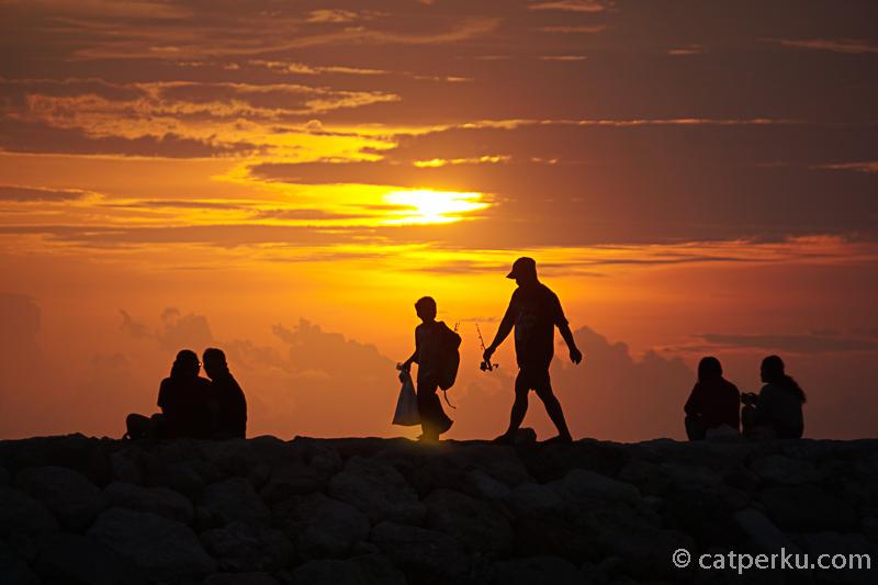 Menikmati Senja di Pantai Jerman Bali!