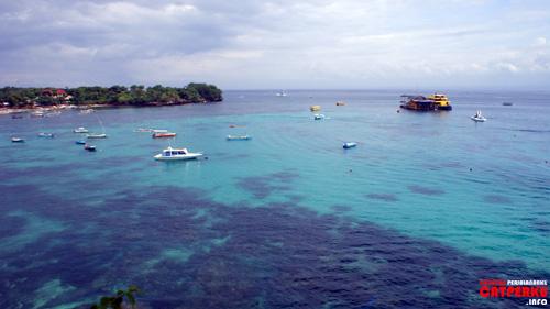 Hanya Nusa Lembongan yang punya view super kece seperti ini ya!