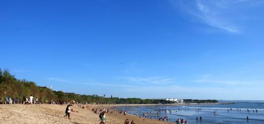 Pantai Kuta Yang Sedang Surut (cover)