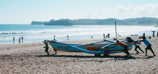 Pantai SerangBlitar, mirip seperti pantai kuta :)