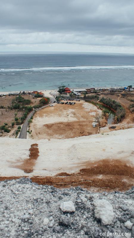 Pantai pandawa Bali dari bukit tadi