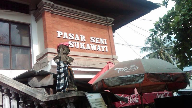 Pasar Sukawati tempat belanja oleh-oleh yang terkenal dari dahulu