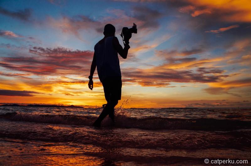 Senja di Pulau Banyak selalu menggona para fotografer untuk mengabadikannya