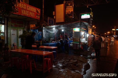Soto ceker dan ranjau pak gendut yang ada di Pusat Kuliner Jalan Sabang