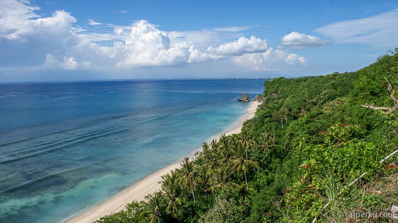 The Private Beach Of Padang Padang ini berada tak jauh di sebelahnya!