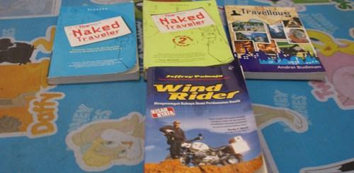 Beberapa buku tentang traveling yang sudah saya lahap