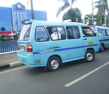Angkot Kota Bandung berguna untuk keliling kota bandung