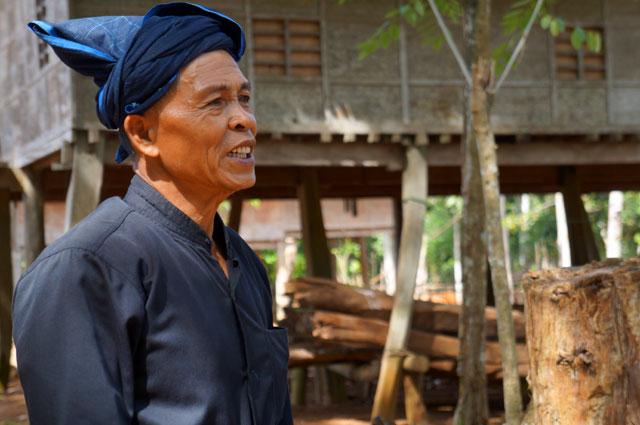 Bapak Puto Saguni, juru bicara Suku Kajang yang menjelaskan dengan detail seputar adat dan keseharian Suku Kajang.
