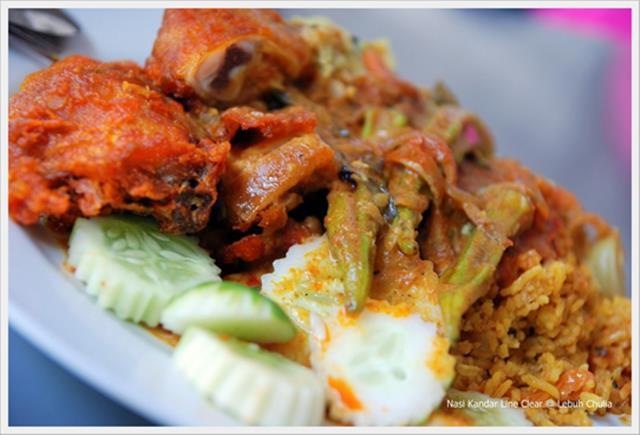 Coba saja makan Nasi Kandar, pasti ketagihan!