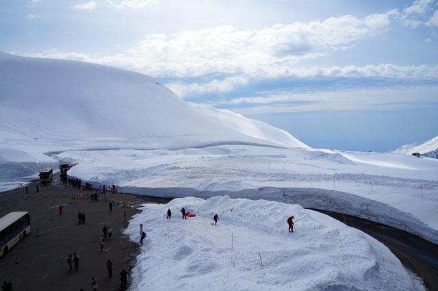 Dikunjungi banyak turis, tetap terjaga karena manajemen pariwisata yang bagus :)