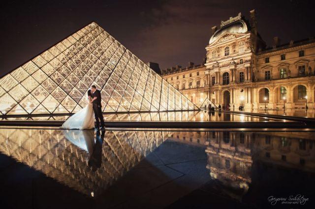 Louvre Museum juga bisa menjadi latar apik untuk Foto Pre Wedding!
