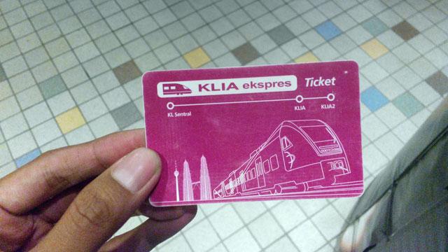 Ini dia tiket KLIA Ekpress seharga 35 RM untuk sekali jalan.