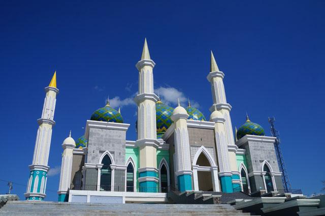 Masjid Agung Kota Pare - Pare adalah salah satu ikon kota ini.