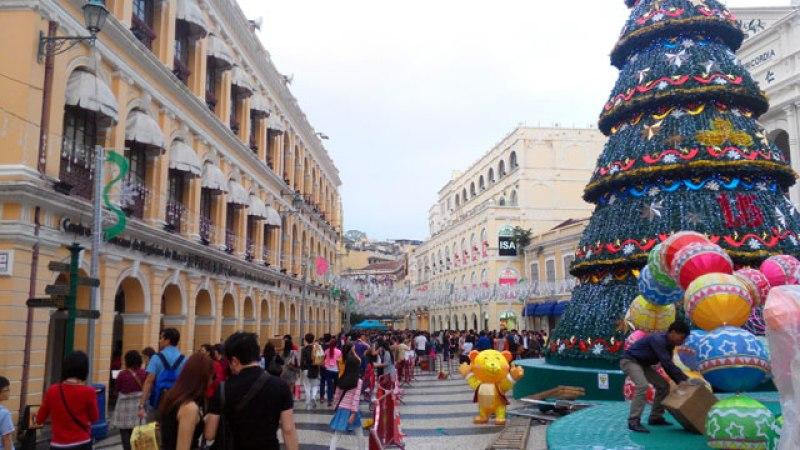 Natal sudah tiba, waktunya belanja di Senado Square? :D
