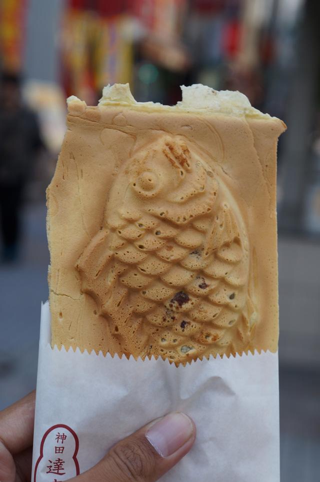Pengen cepet dimakan, tapi sayang bentuk ikannya lucu, jadi di foto dulu deh :D