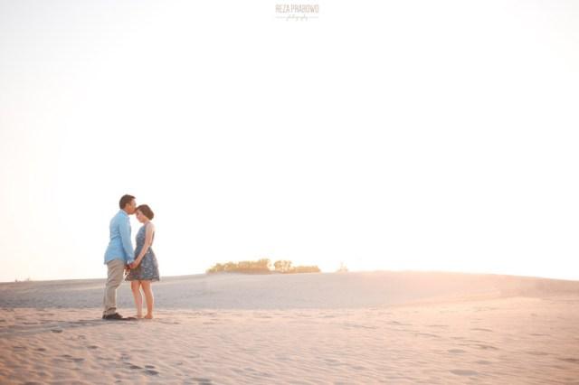 Gumuk Pasir Parangkusumo, bisa menjadi tempat foto Pre Wedding ala traveler petualang.