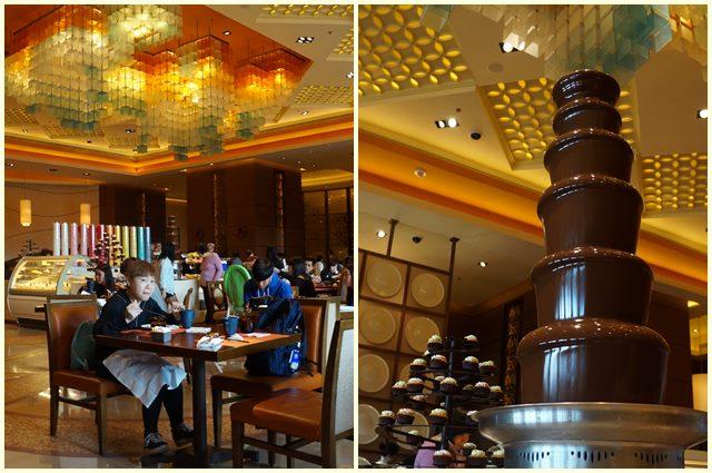 Sarapan dan makan siang di The Feast ini, ada chocolate fountain juga :3