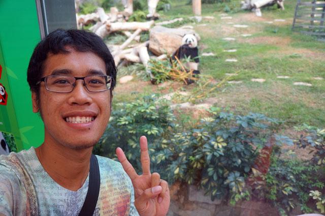 Selfie dulu bareng Panda unyu~