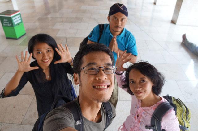 Travel blogger yang selalu pengen eksis?