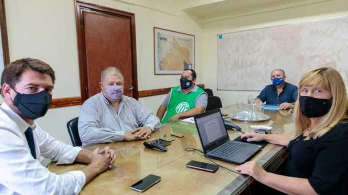 Río Negro: el Gobierno subió a una oferta del 29% para el año