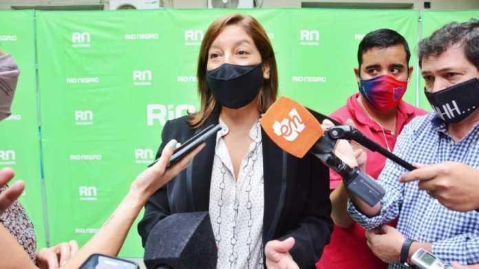 Carreras convocó a cámaras empresariales para evaluar restricciones