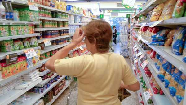 Crisis económica: Inflación de marzo casi del 5%, la más alta en el gobierno de Fernández