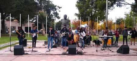 plaza musicos - Catriel25Noticias.com