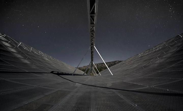 Radiotelescopio CHIME.