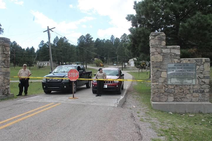 El observatorio cerrado y marcado como si fuera la escena de un crimen.