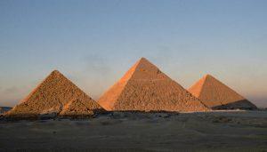 ¿Fue la gran pirámide de Guiza construida para servir como una tumba?