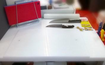 tavolo con porta coltelli