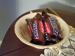 Bowl of Snickers in our room at Mountain Harbour.