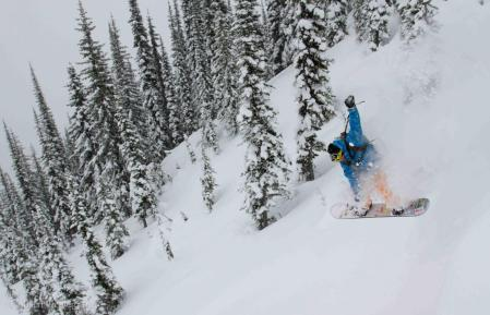 Scott Martin / Catskiing Canada @ White Grizzly / Photo: Colleen Gentemann