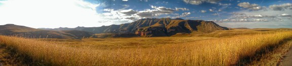 An experimental HDR panorama of a view on the mountains from the Blesbok loop drive
