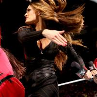 WWE RAW RESULTS: Nikki Bella Declares Her Freedom, AJ Continues the Revenge Tactics (August, 18th 2014)
