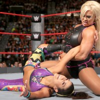WWE RAW RESULTS: A Free Agent Arrives for Hugs....and Titles (August, 22nd 2016)