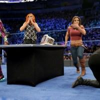 WWE SMACKDOWN RESULTS: Female Oneupmanship Before A Double Arizona Showdown (February, 7th 2017)