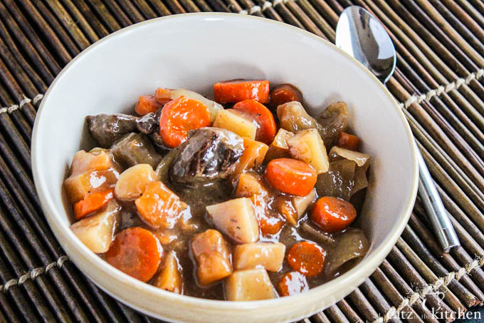 Slow Cooker Irish Stew | Catz in the Kitchen | catzinthekitchen.com #SlowCooker