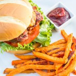 Bacon Gouda Burgers | Catz in the Kitchen | catzinthekitchen.com | #recipe #burgers #gouda #grilling