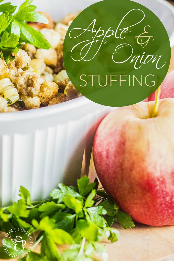 Apple & Onion Stuffing | Catz in the Kitchen | catzinthekitchen.com | #stuffing #Thanksgiving #recipe