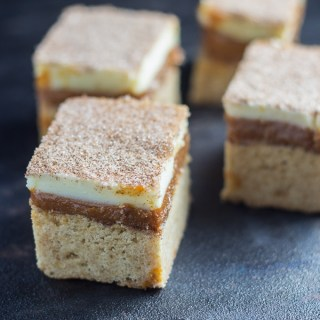 Caramel Snickerdoodle Bars   Catz in the Kitchen   catzinthekitchen.com #snickerdoodle