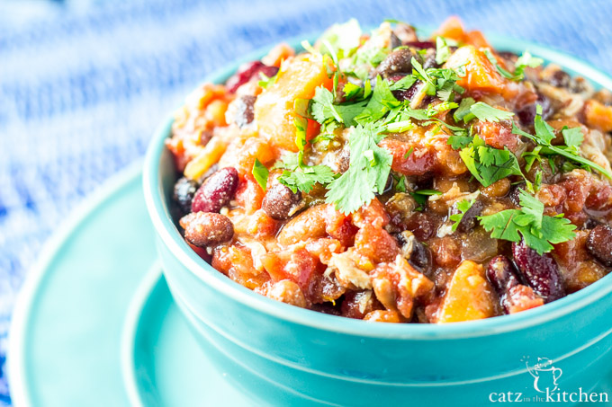 Slow-Cooker Sweet Potato Chicken Chili | Catz in the Kitchen | catzinthekitchen.com #SlowCooker