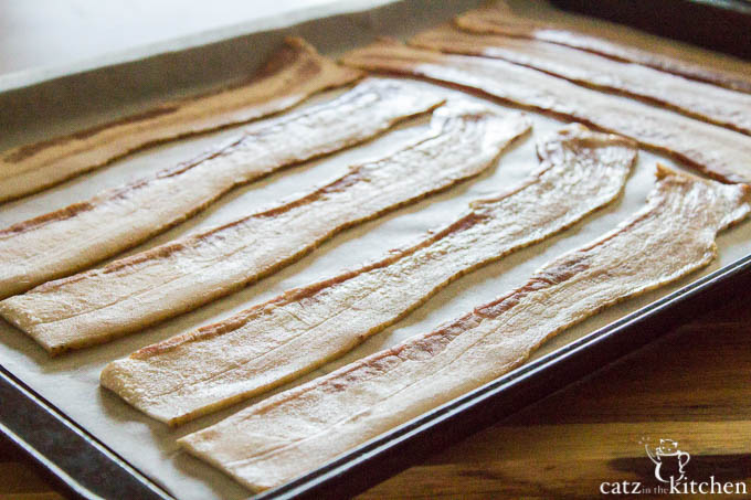 Oven Baked Bacon | Catz in the Kitchen | catzinthekitchen.com #bacon