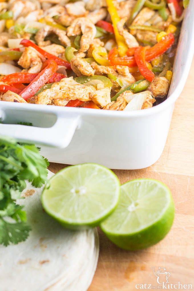 Oven Baked Fajitas | Catz in the Kitchen | catzinthekitchen.com #fajitas